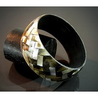 Bracelet shell