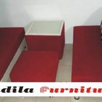 Sofa Minimalis Type 2.2 Kain Oscar plus Bludru Hennesy + Meja + 4 Bantal + Puff