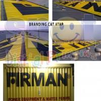Branding cat pintu, dinding, atap