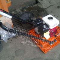 Mesin stamper kodok atau plate compactor