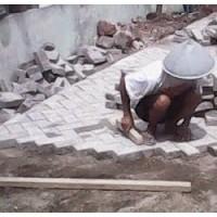 Jasa Pemasangan Paving Block / Bongkar dan Pasang Paving Block Amblas Rusak Halaman Kantor