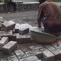 Jasa Tukang Pasang Konblok, Pasang konblok Jalan perumahan Cluster, Trotoar, Halaman Pabrik DLL
