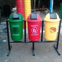 Tempat sampah fiber 3 pilah