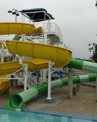 Seluncuran Waterpark Spiral Body Slide
