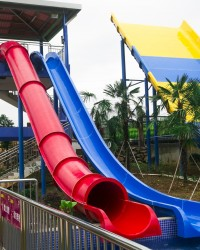 Wahana Prosotan Waterboom Jump Slide