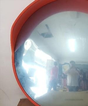 Cermin Lalu Lintas / Tikungan