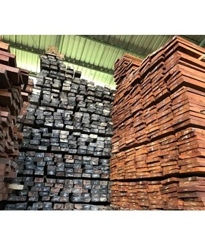 Kayu Ulin Ukuran 8x15x400 Cm