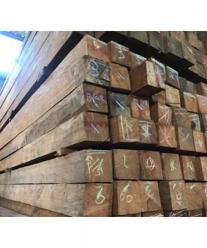 Kayu Bangkirai Ukuran 6x12x400 Cm