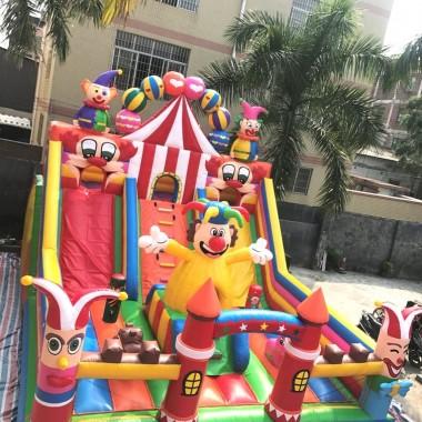 Istana Balon Rumah Balon Loncat Kreasi Balon