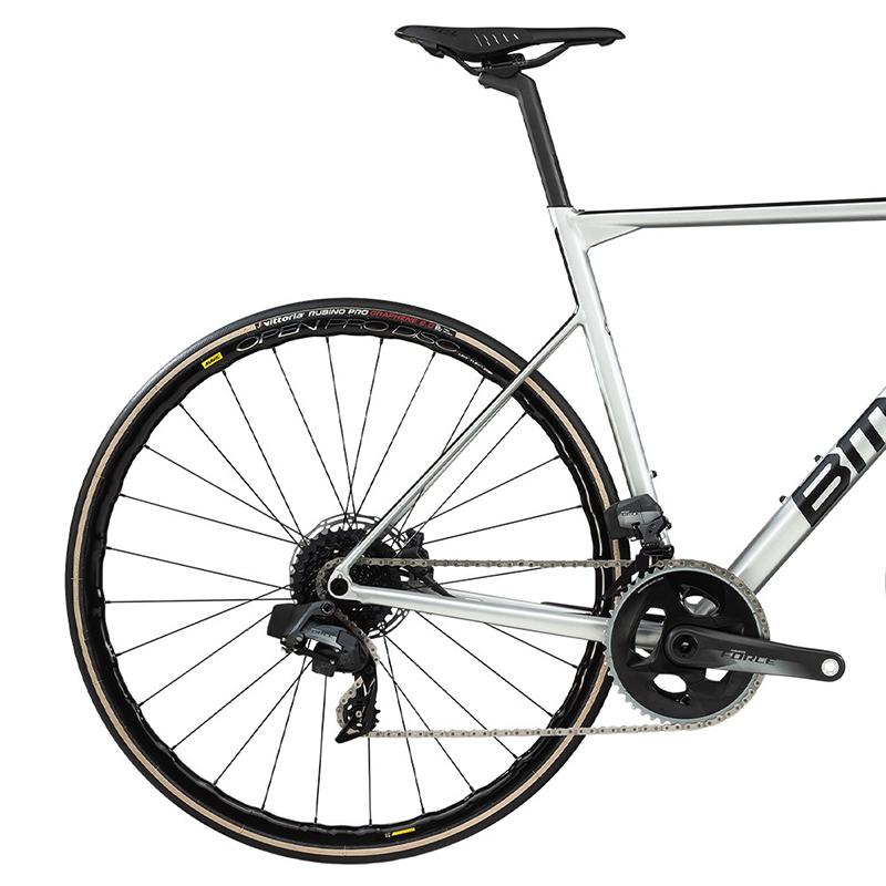 2020-bmc-teammachine-alr-disc-one-road-bike1