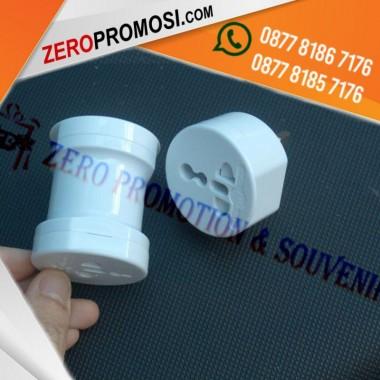 merchandise promosi Universal Travel Adaptor UAR02
